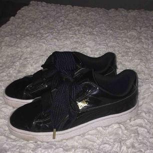Puma basket skor, sparsamt använda! Sidenbanden för att variera skosnören