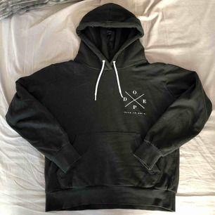 Dope hoodie. Säljer för 100kr, köparen står för frakt