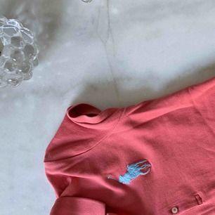 Jätte bekväm och fin korall rosa piké från Ralph Laurent, säljes billigt💓💓