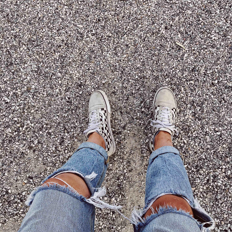 Jeans från Karve, sitter väldigt fint och är sköna. De har väldigt hög midja (över naveln) vilket gör att de sitter skönt! Frakt tillkommer. Jeans & Byxor.