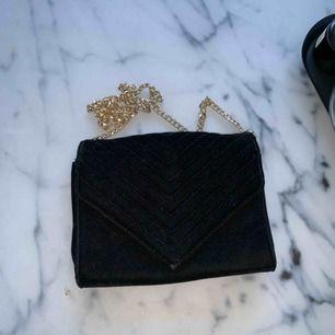 Väska från Gina Tricot, fint skick. Frakt tillkommer