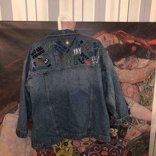 Välanvänd jeansjacka från Monki ✨ pris kan diskuteras!