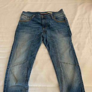 Please jeans, storlek medium. Superfina. Använda fåtal gånger.