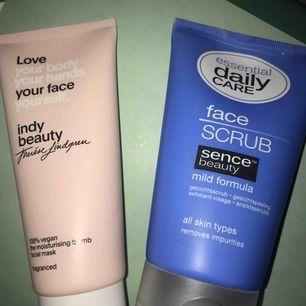 Säljer en ansiktsmask från indy beauty (Therese Lindgrens hudvårdsmärke)  Oanvänd, den är inte ens öppnad:) 50kr  Säljer även en ansiktsskrubb, också oanvänd! 20kr
