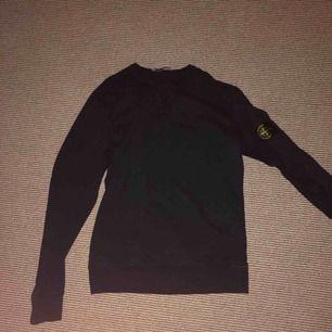 Stone island sweatshirt, storlek s. Inte använd jätte mycket