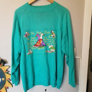 Sparsamt använd unik tröja inhandlad på second hand. Frakt inräknat i pris. Betalning via swish