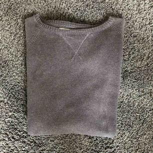 Mörkblå tröja från Cubus inga defekter alls.