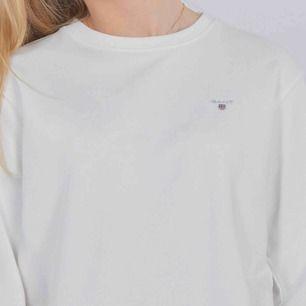 Jag säljer en tröja från märket Gant, Nypris: 599:- Utgångspris: 150:- ( bud är det som gäller) Skick: använd 2-3 gånger, jätte bra skick skulle jag säga.