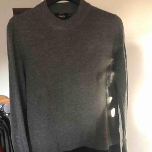En tröja från Only, inte användad så många gånger Priset inkl frakt