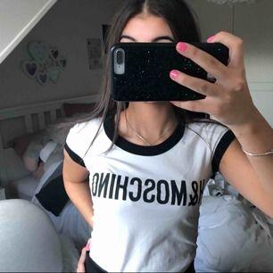 Hm x MOSCHINO tshirt❣️❣️ Använd en gång