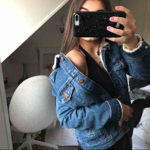 Super fin jeans jacka till vintern pga den tjocka materialet🥰💕💘