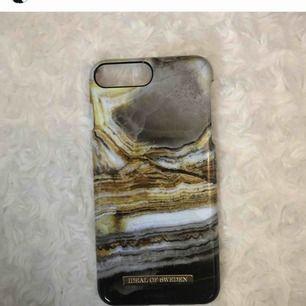 Iphone 8+ skal, bra skick