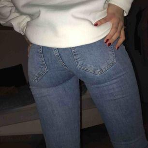 Bootcut jeans, bra skick knappt använda.
