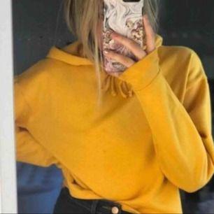 Skit snygg gul/orange hoodie