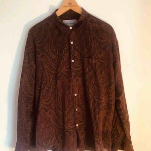 Underbar paisleyskjorta från Our Legacy
