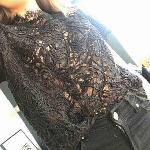 En jätte fin spets tröja från Lindex aldrig använd, köparen betalar frakt.⭐️