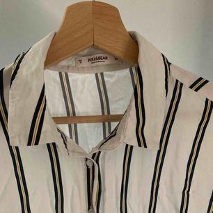 blus/skjorta från pull&bear!! fint skick 😄