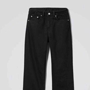 Snygga mon jeans från weekday. Aldrig använda pga för små.