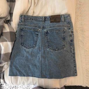 Asball jeanskjol från StJohnsBay! Köpt på beyond retro men aldrig använd👊🏼🤪