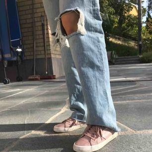 Superfina ljusrosa skor från novita💓 i gott skick! Skriv gärna om du har frågor😊