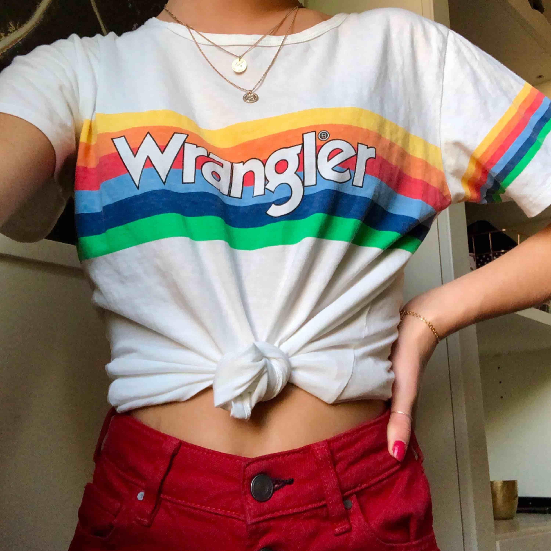 Wrangler t-shirt från Carlings i storlek S Använd endast några gånger  Fint skick. T-shirts.