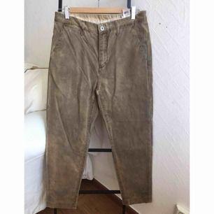 Två byxor för 80kr! //// Oanvända beige chinos från Cheap Monday! Möts upp i Stockholm.