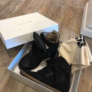 Fina Isabel Marant skor i storlek 40. Fint skick. Har inte kvittot kvar.