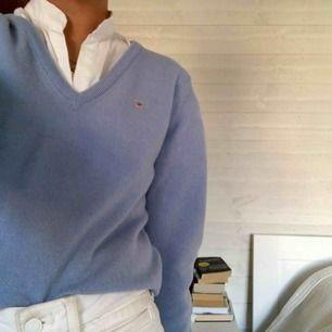 Jättefin ljusblå stickad tröja från gant Helt oanvänd och därför jag säljer