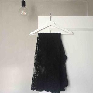 Dessa superfina Ida Sjöstedt byxor söker ny ägare! De kostade 1.500 nypris och är i toppen skick! ✨