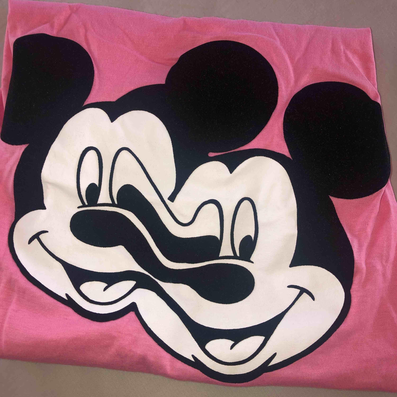 mickey glitch collection, köparen betalar frakt💓. T-shirts.