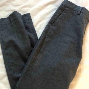 Kostymbyxor i mjukt material, inget slitage