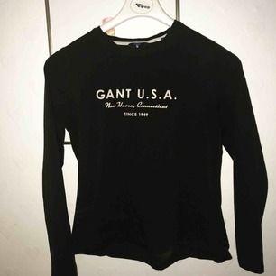 En super fin GANT tröja, använd några gånger , kan postas snabbt💋