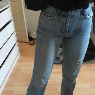 jeans från ginatricot , för små för mig nu så säljer vidare, bra skick, normala i storleken , frakt ingår i priset