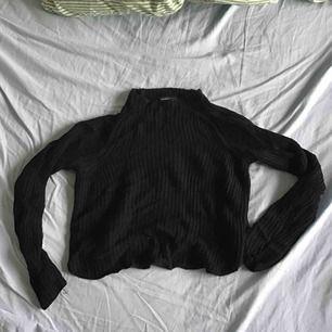 Mockneck American Apparel tröja. Kort och flattering, väldigt mjuk💕💕
