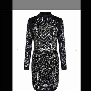 Super snyggt lyxig klänning från DM. Väldigt populär och ombloggad.