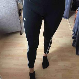 Aldrig använda träningstights från Adidas. Skitsnygga och bekväma men tyvärr för korta för mig (ish 176 cm) 😥