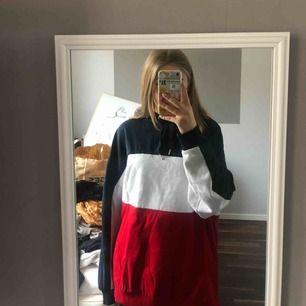 En jätte mysig randig tröja o storlek M, knappt använd