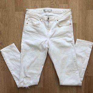 Skinny Jeans från Gina i nyskick! Frakten är inkluderad 🥰