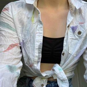 En skjorta med flädrar på🥼