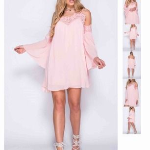Jätte söt rosa klänning från madlady i storlek 36! Säljes för att den ej kommer till användning. Kan mötas upp i Stockholm eller frakta!