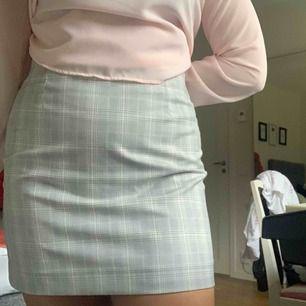 Asfin rutig kjol från HM!