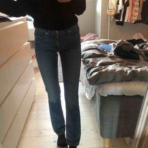 24x32  Säljer mina sjukt snygga levis jeans med en lite mindre bootcut, köpt på en vintage affär. Kvaliten är super (lågmidjade är de också).