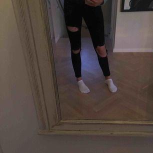 Jeans som sitter snyggt och är högmidjade!