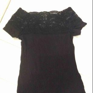 Jättefin svart tröja