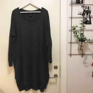 Fin klänning i ull från H&M. Supermysig nu när hösten är här!