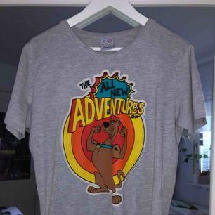 Fin Scooby Doo tshirt :) Säljer pga använder ej. Frakt 39 kr 😎
