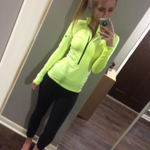 Nike tränings tröja