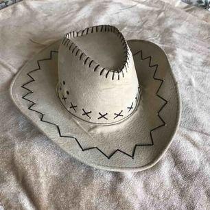 Cowboy hatt . Super snygg i mycket bra skick.