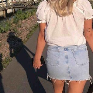 Jätte fin kjol från zara, tyvärr har den blivit för liten för mig. 60kr & frakt tillkommer