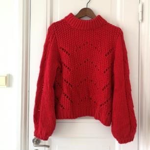 Stickad röd tröja 🌼
